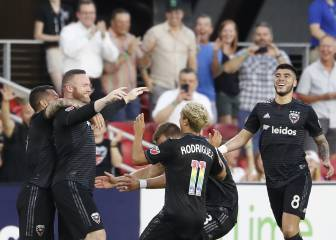 Rooney scores MLS goal-of-the-year contender from own half