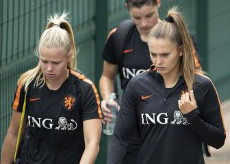 Netherlands sweating on star striker Martens for USA final