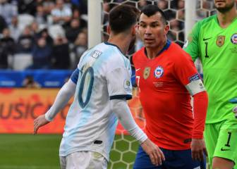 Messi and Medel sent off after clashing
