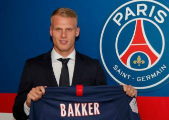 PSG snap up promising Ajax teenager Mitchel Bakker