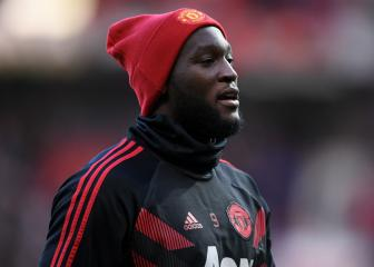 Lukaku drops Man United exit hint with agent selfie
