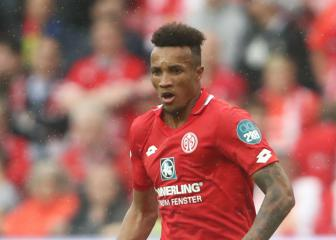 Everton sign Jean-Philippe Gbamin as Gueye replacement
