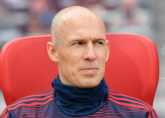 Never say never: Robben considering comeback