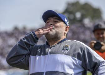 Maradona returns to the bench as his Gimnasia side fall to Racing