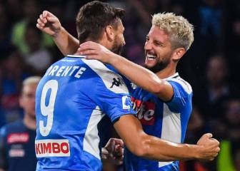 Late Napoli goals see holders Liverpool beaten in opener