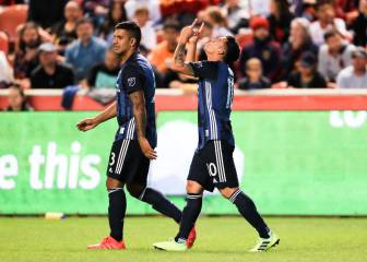 Zlatan takes Galaxy into playoffs