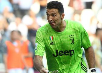 Gianluigi Buffon breaks Maldini's appearances record