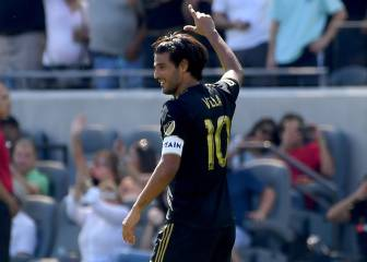 A beauty gives Carlos Vela the single-season scoring record