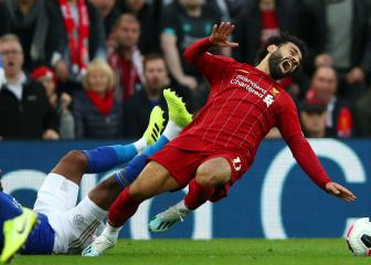Salah avoids serious ankle damage in Liverpool's Leicester win