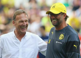 Klopp flattered but not tempted by offer to return to Dortmund