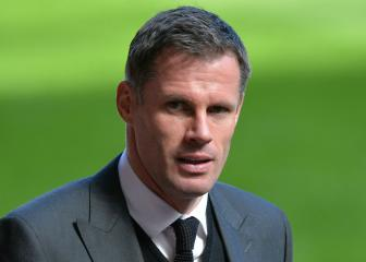 Carragher apologises to Evra for T-shirts worn in support of Suárez