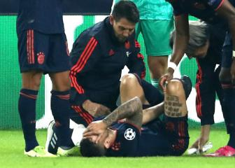 Hernández 'out for a long time' as Bayern's crises deepens