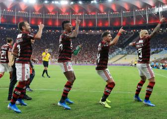 Flamengo romp to 5-0 win to set up final with River Plate