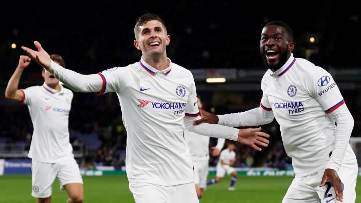 Forget Hazard: Chelsea fans delight after hat trick hero