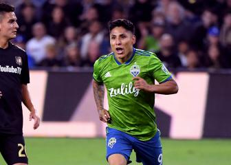 Visitors Seattle stun LAFC to reach MLS Cup final