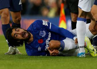 Andre Gomes horror injury in images