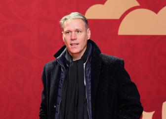 Marco Van Basten apologises for 'sieg heil' comment