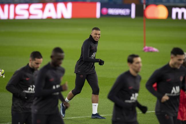 Real Madrid vs PSG: preview, predicted XIs, team news