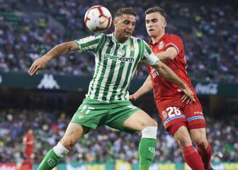 Evergreen Joaquin signs contract extension with Betis