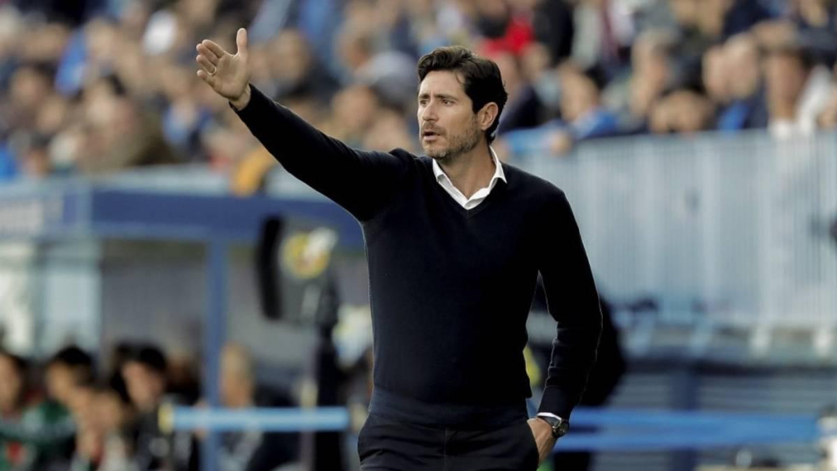 Malaga suspend coach Victor Sanchez del Amo after sex tape