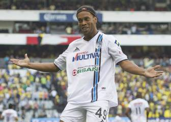 "Ronaldinho: ""It was special to receive a standing ovation at the Azteca"""