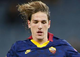 Roma's Zaniolo suffers cruciate injury with Italy coach Mancini watching