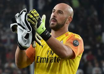 Reina joins Villa on loan while Begovic makes Milan move