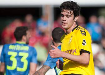 Giovanni Reyna makes his debut in Bundesliga with Dortmund
