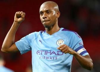 Fernandinho extends his stay at Manchester City