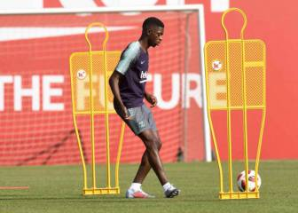Dembélé quits Barcelona training with muscle injury