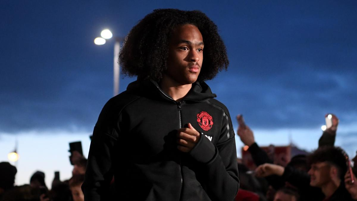 Solskjaer sees 'bright future' for Chong after confirming two-year contract