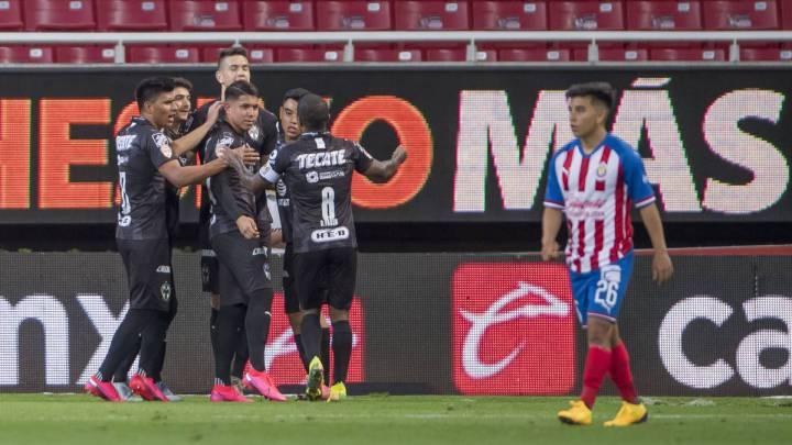 Chivas couldn't beat Monterrey who hasn't won a game this semester