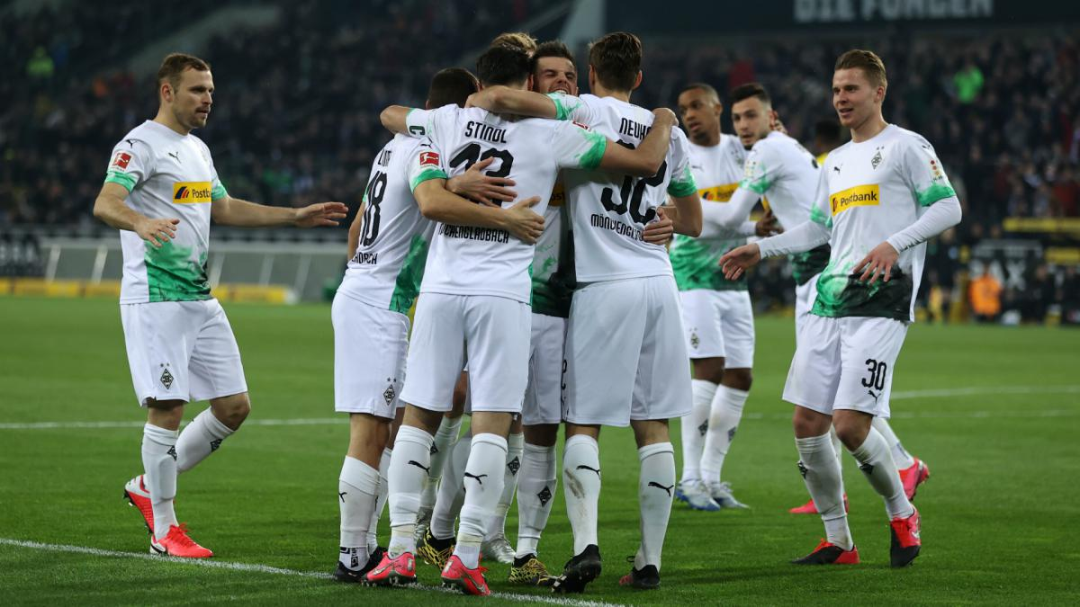 Coronavirus: Gladbach players offer to forego salaries to help pay staff