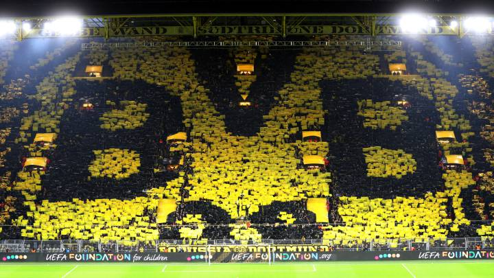 Borussia Dortmund fans raise over €80,000 to help local businesses
