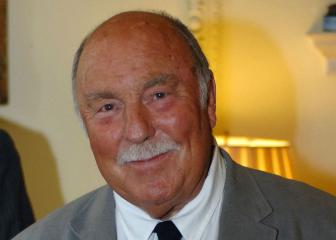 Tottenham legend Jimmy Greaves admitted to hospital