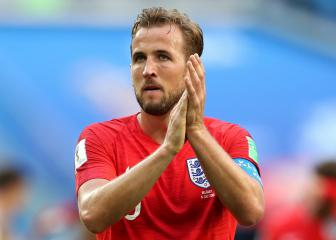 Harry Kane salutes NHS hero Captain Tom Moore