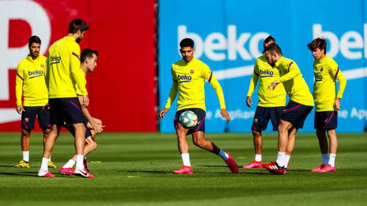 "Spanish clubs return to training in groups of 10 in ""significant step forward"""
