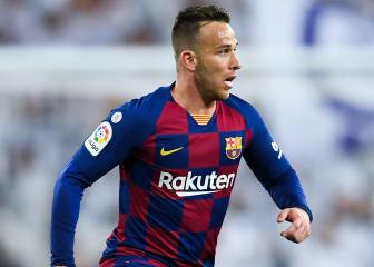 Arthur and Pjanic set for medicals ahead of Barcelona, Juve swap