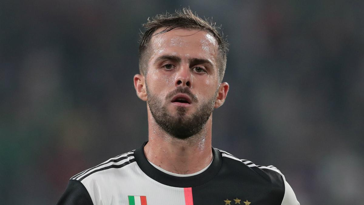 Barcelona agree Pjanic deal after letting Arthur join Juventus