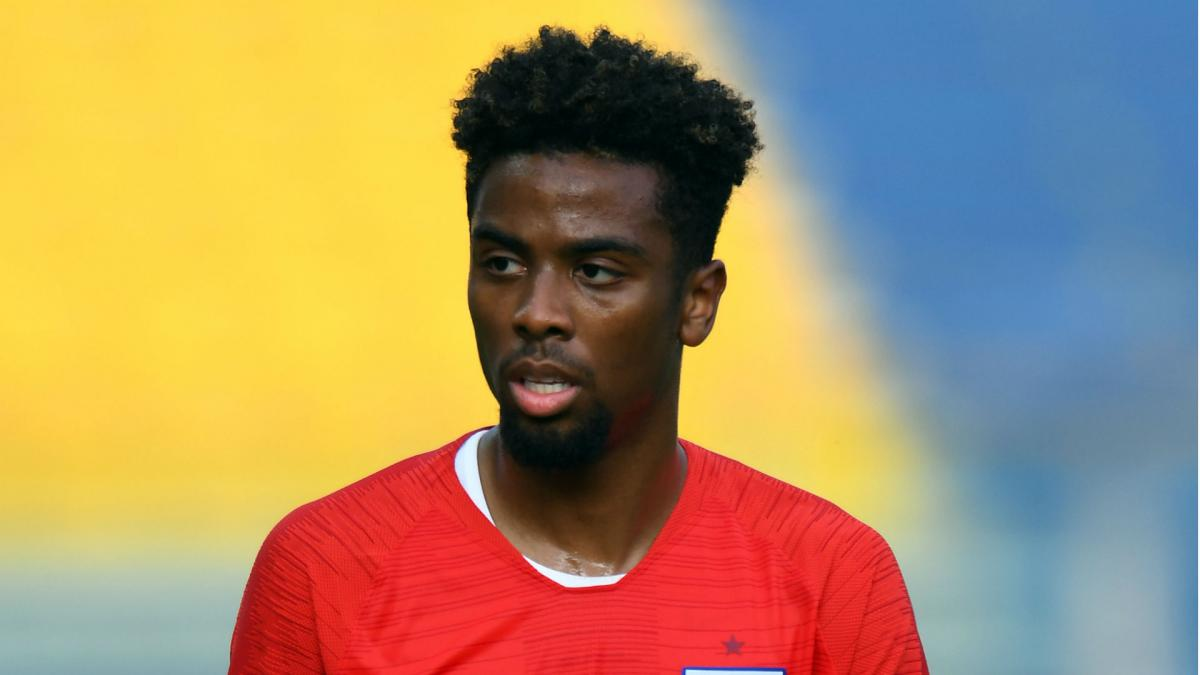 Lampard rejects Chelsea links to Angel Gomes