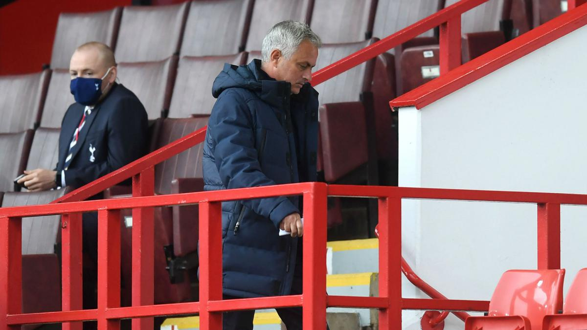 The man on the pitch is the assistant referee – Mourinho laments VAR after Bramall Lane controversy