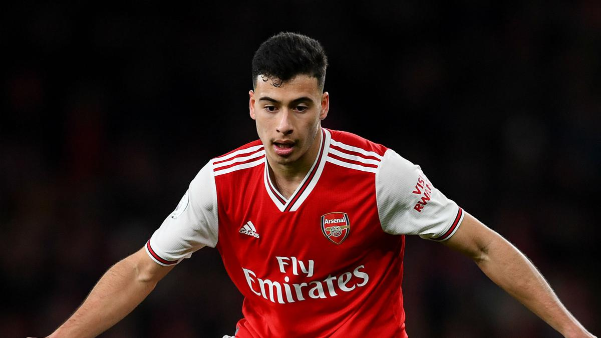 Martinelli signs new long-term Arsenal deal