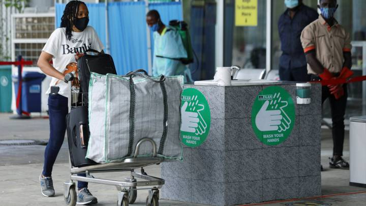 Nigeria resumes domestic flights as part of easing restrictions
