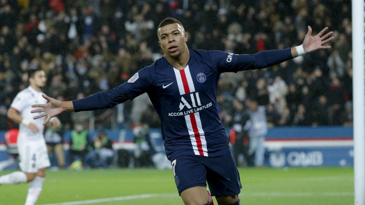 Mbappe revealed as FIFA 21 global cover star