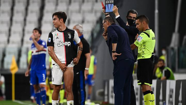 Worry for Juventus as Dybala limps off injured