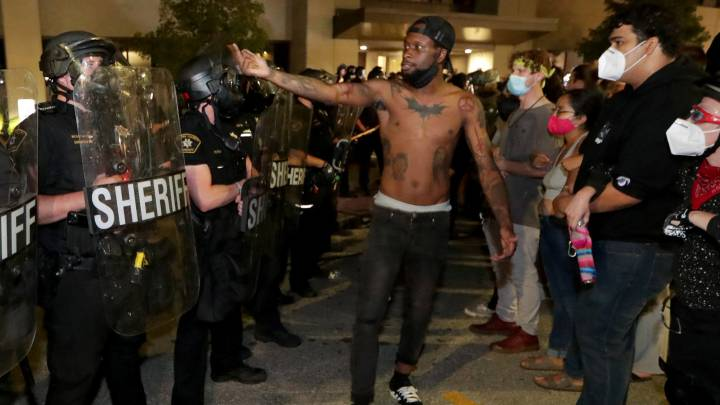Who is Jacob Blake, the black man shot seven times by police in ...