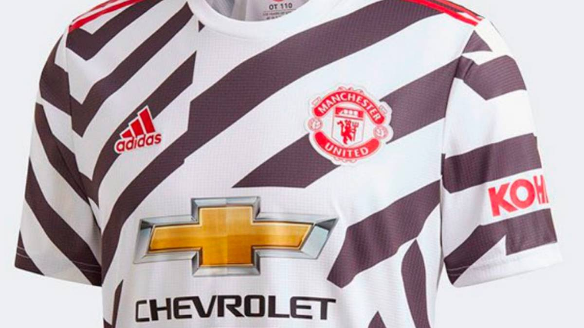 A Disgrace Ugly Taking The Piss Twitter Reacts To New Man United Third Kit As Com