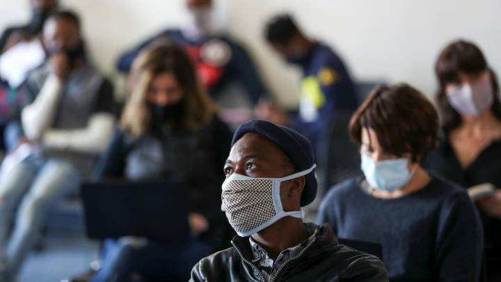 Coronavirus: South Africa officially moves to lockdown level 1