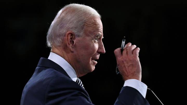 Does Joe Biden want to shut down USA to control coronavirus?
