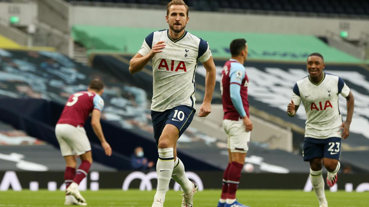 Unstoppable Kane sets Premier League record for Spurs against West Ham